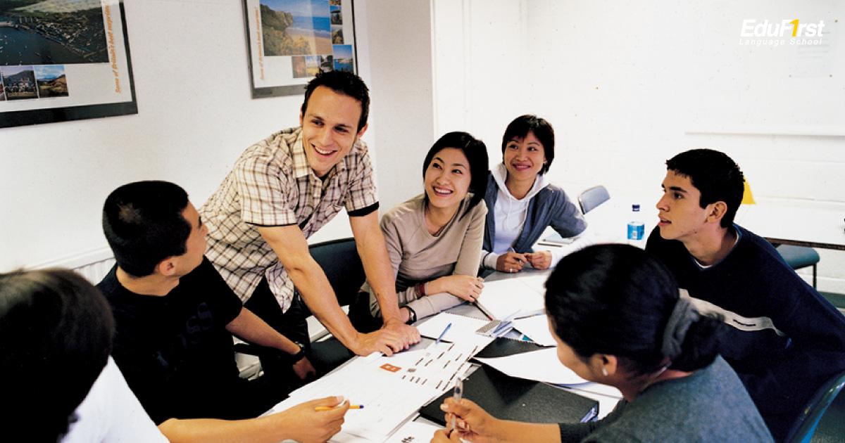ที่เรียนภาษาอังกฤษที่ดี ต้องมีอาจารย์ผู้สอนที่มีคุณภาพ และประสบการณ์