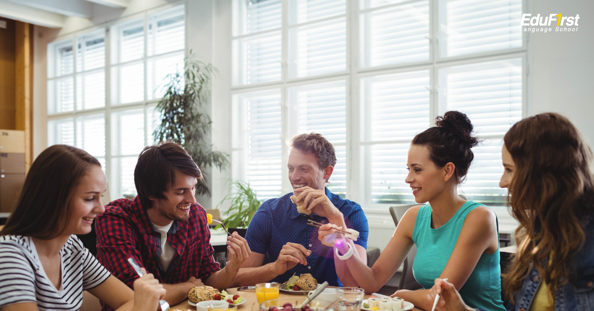 ฝึกพูดภาษาอังกฤษ กับเพื่อนร่วมงานตามโอกาสต่างๆ - เรียนพูดภาษาอังกฤษเพื่อการทำงาน