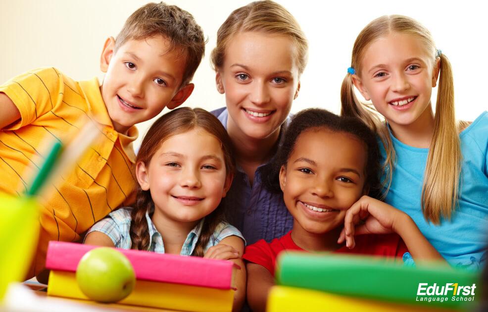 เรียนแกรมม่า ที่ไหนดี - ให้ลูกเรียนภาษาอังกฤษที่ไหนดี - แนะนำโรงเรียนสอนภาษาอังกฤษเด็ก EduFirst