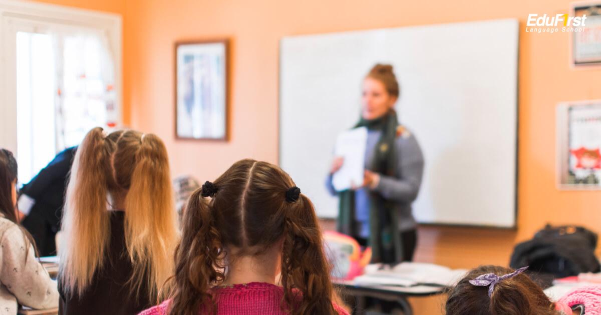 เรียนภาษาอังกฤษ ในชั้นเรียนอย่างเต็มที่ พยายามใช้ภาษาอังกฤษให้มากที่สุด - สถาบันสอนภาษาอังกฤษ EduFirst