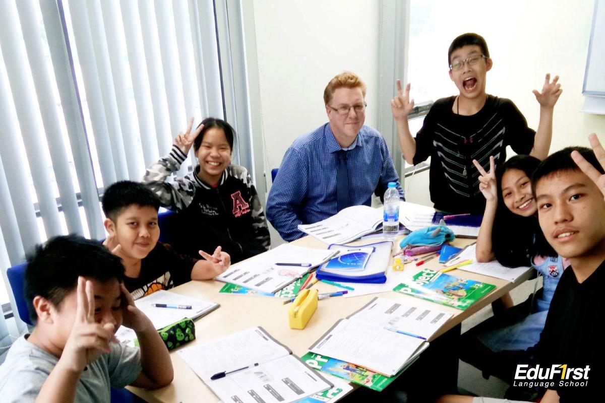 คอร์สเรียนภาษาอังกฤษเด็กเล็ก High Flyer Course - โรงเรียนสอนภาษาอังกฤษ EduFirst