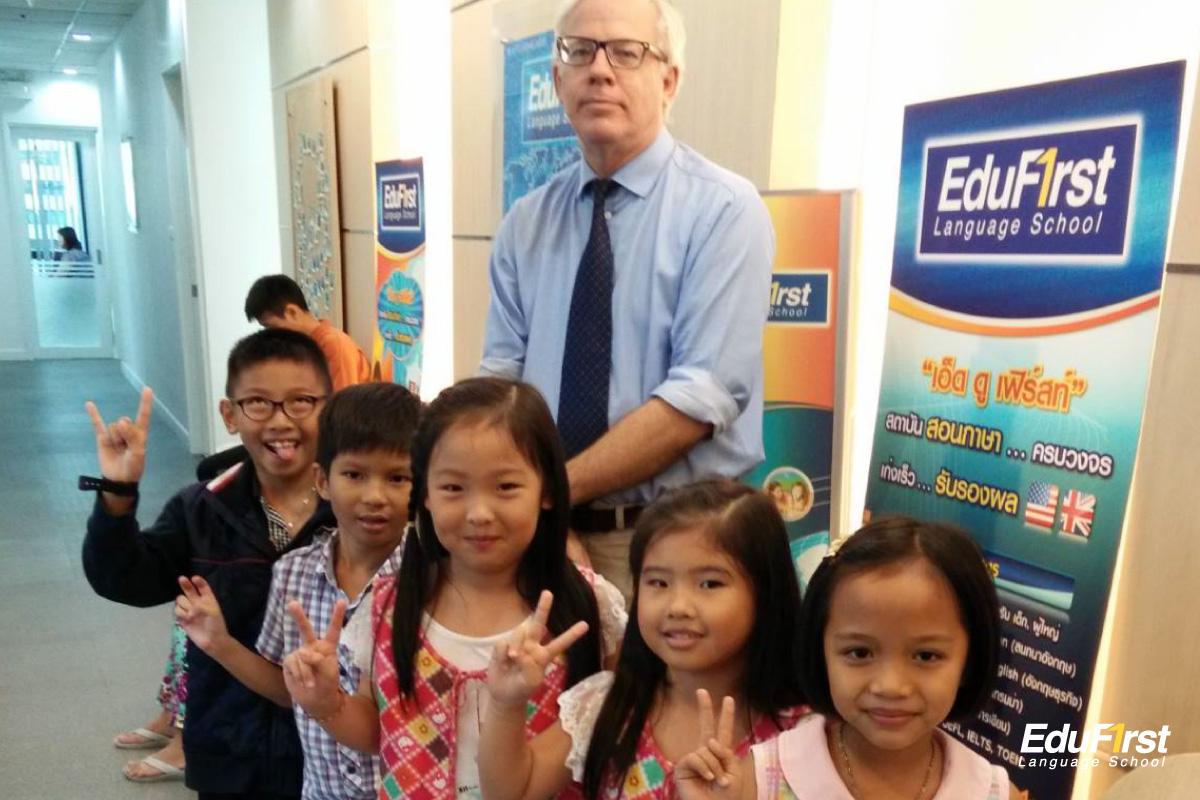 เรียนภาษาอังกฤษเด็กอนุบาล เรียนทักษะภาษาอังกฤษเด็ก พูด ฟัง อ่าน เขียน โดยอาจารย์เจ้าของภาษา - สถาบันสอนภาษาอังกฤษ EduFirst