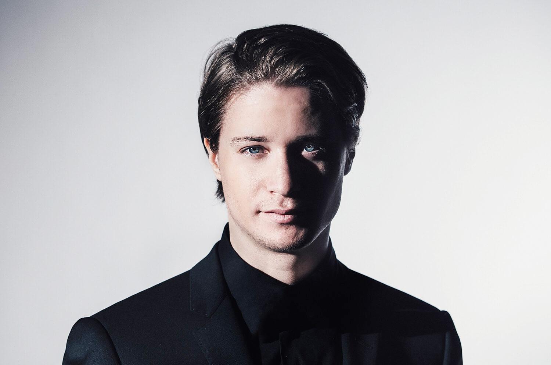 DJ Kygo Kyrre Gørvell-Dahll (ไครเร กอร์เวลล์-ดาชล์)