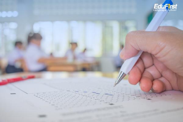 สถิติการใช้ภาษาอังกฤษของคนไทย ผลการสอบวิชาภาษาอังกฤษของนักเรียนไทย ยังต่ำกว่าวิชาอื่น - พัฒนาทักษะภาษา เรียนภาษาอังกฤษสำหรับนักเรียน สถาบันภาษาอังกฤษ EduFirst