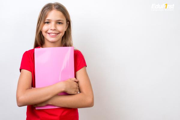 เรียนภาษาอังกฤษเด็ก อายุ 11-14 ขวบขึ้นไป ชั้นประถมปลาย, มัธยมต้น (วัยเด็กตอนปลาย) - ติวภาษาอังกฤษ โรงเรียนสอนภาษาอังกฤษ EduFirst