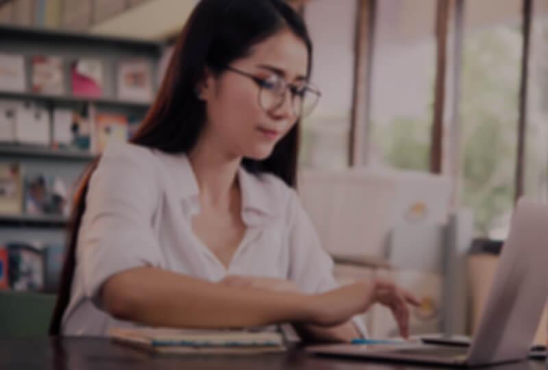 เรียนการเขียนภาษาอังกฤษออนไลน์ ตัวต่อตัว พัฒนาทักษะการเขียนได้อย่างรวดเร็ว อย่างเห็นผล เน้นผู้เรียนเป็นหลัก พร้อมรับรองผล