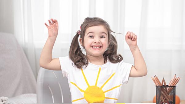 Phonic โฟนิคส์ จะช่วยให้เด็กๆ ออกเสียงภาษาอังกฤษได้ถูกต้อง สื่อสารภาษาอังกฤษได้ดีมากขึ้น เสริมทักษะการอ่านและเขียนได้อย่างมีประสิทธิภาพ - เรียนออกเสียงภาษาอังกฤษ เด็ก สถาบันสอนภาษา EduFirst