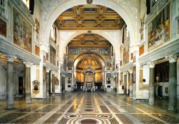 """โบสถ์พราซีเดส (Praxedes) กรุงโรม ประเทศอิตาลี ที่ตั้งหลุมฝังศพ """"นักบุญวาเลนไทน์"""" หรือ วาเลนตินัส"""" Valentine, วาเลนไทน์, นักบุญวาเลนไทน์ - โรงเรียนสอนภาษาอังกฤษ EduFirst"""