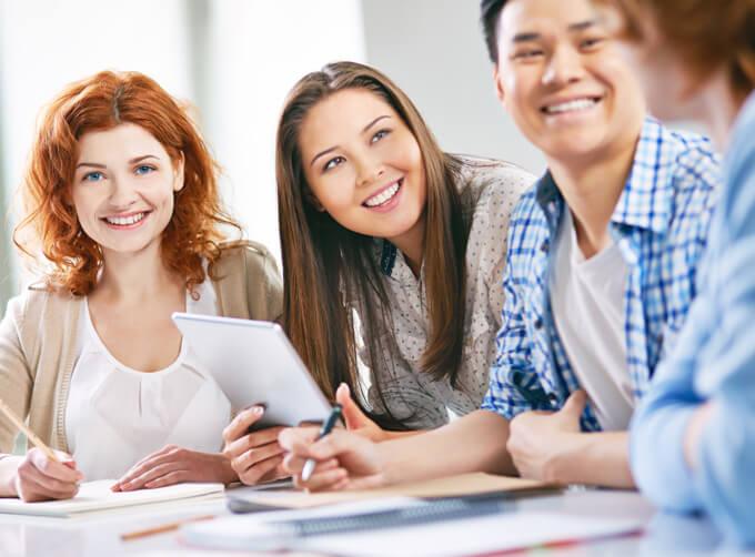 คอร์สเรียนสนทนาภาษาอังกฤษ (General Conversation English) เรียนพูดภาษาอังกฤษ อย่างมั่นใจ - คอร์สเรียนภาษาอังกฤษ ผู้ใหญ่ นักศึกษา วัยทำงาน โรงเรียนสอนภาษาอังกฤษ EduFirst