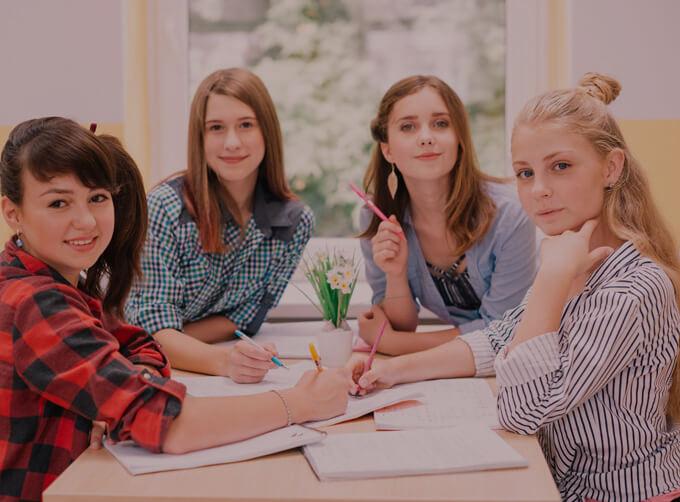คอร์สเรียน TOEFL (TOEFL preparation course ) เรียน TOEFL สำหรับเตรียมสอบ  เรียนภาษาอังกฤษ กลุ่มเล็ก สอนสดทุกห้อง - คอร์สเรียนภาษาอังกฤษ ผู้ใหญ่  สถาบันสอนภาษาอังกฤษ EduFirst