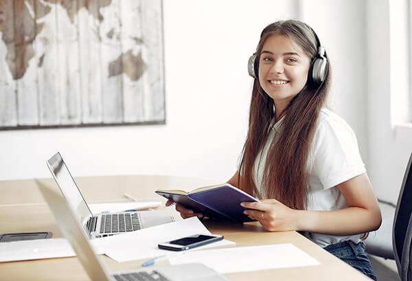 ฟังภาษาอังกฤษ จากง่ายไปยาก คลิปเสียงหรือวีดิโอ  เรียนฟังภาษาอังกฤษ  - เรียนภาษาอังกฤษ โรงเรียนภาษาอังกฤษ EduFirst