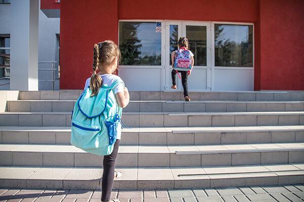 ให้ภาษาอังกฤษเป็นส่วนหนึ่งในชีวิตประจำวันของเด็ก จะช่วยให้เด็กได้คุ้นเคยและจดจำกับการใช้ภาษาอังกฤษ - เรียนภาษาอังกฤษเด็ก โรงเรียนสอนภาษาอังกฤษ EduFirst