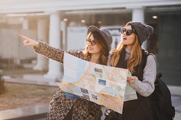 เมื่อเจอคนต่างชาติถามทาง ต้องพูดอย่างไร? บอกทางภาษาอังกฤษ บทความเรียนภาษาอังกฤษ EduFirst โรงเรียนสอนภาษาอังกฤษ