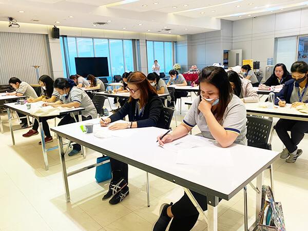 วัดระดับภาษาอังกฤษ ที่ไหนดี? บริการ ทดสอบภาษาอังกฤษ พนักงาน ในองค์กร เพื่อการพัฒนาศักยภาพ -  สถาบันสอนภาษา  EduFirst