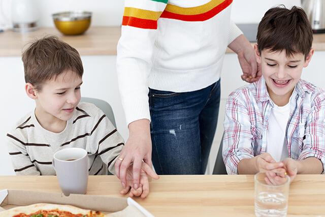 บทสนทนาภาษาอังกฤษเด็ก ที่บ้านในช่วงเย็น,  ตอนเย็น, อาหารเย็น, มื้อค่ำ